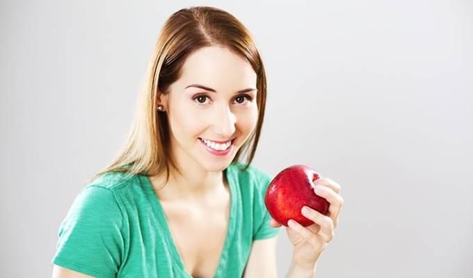 wanita diet apel