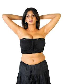 Bhuvaneshwari Hot Exposing Boob Photos