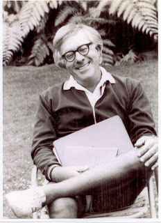 Ray Bradbury sitting outside at the Santa Barbara Writers conference