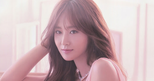 "SNSD Yuri is the ""Goddess of Seduction"" in Marie Claire's September issue ~ Wonderful Generation"