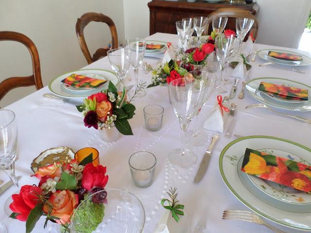 une table en fleurs pour une d coration d 39 anniversaire les tables de mon mari. Black Bedroom Furniture Sets. Home Design Ideas