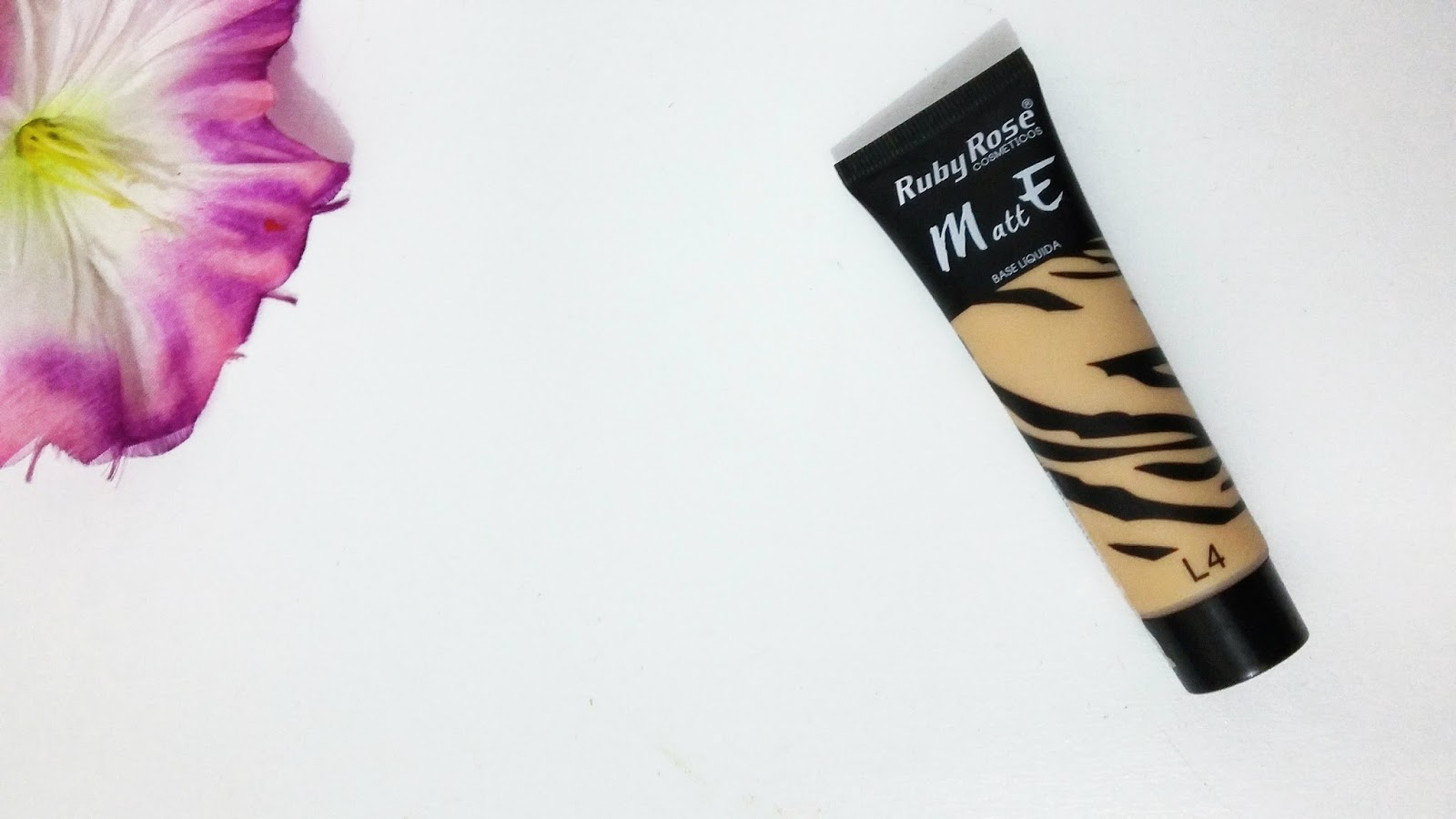 Resenha: Base Líquida Matte Ruby Rose