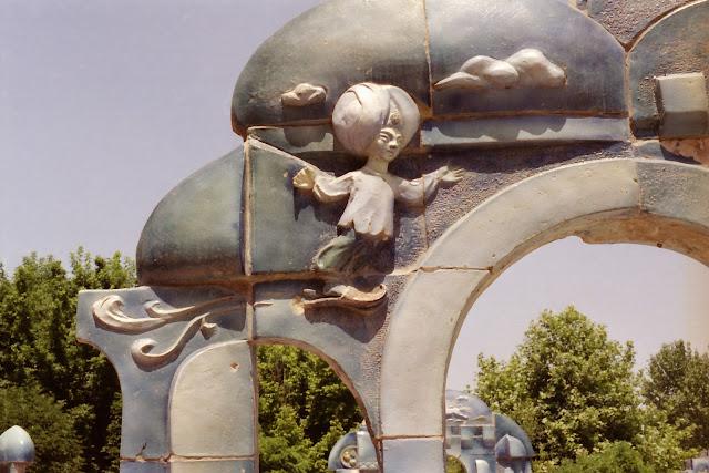 Ouzbékistan, Tachkent, Aladin, © L. Gigout, 2001