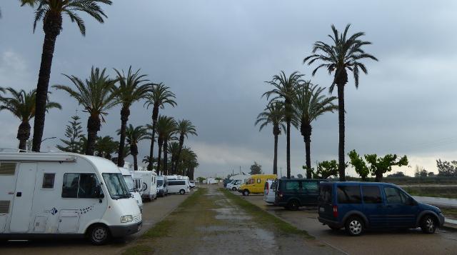 Poble Nou del delta: estacionament i pernocta