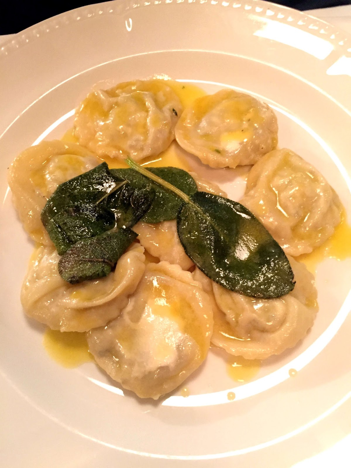 Stitch & Bear - Rosa Madre - Ravioli in butter and sage sauce