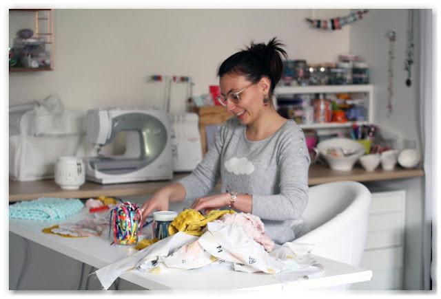 Delphine, créatrice de Made in Velanne dans son atelier