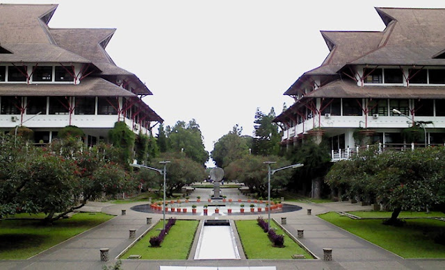 Univeritas terbaik di indonesia