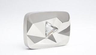 Gambar Diamond Play Button