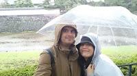 Bajo el paraguas japonés, transparente