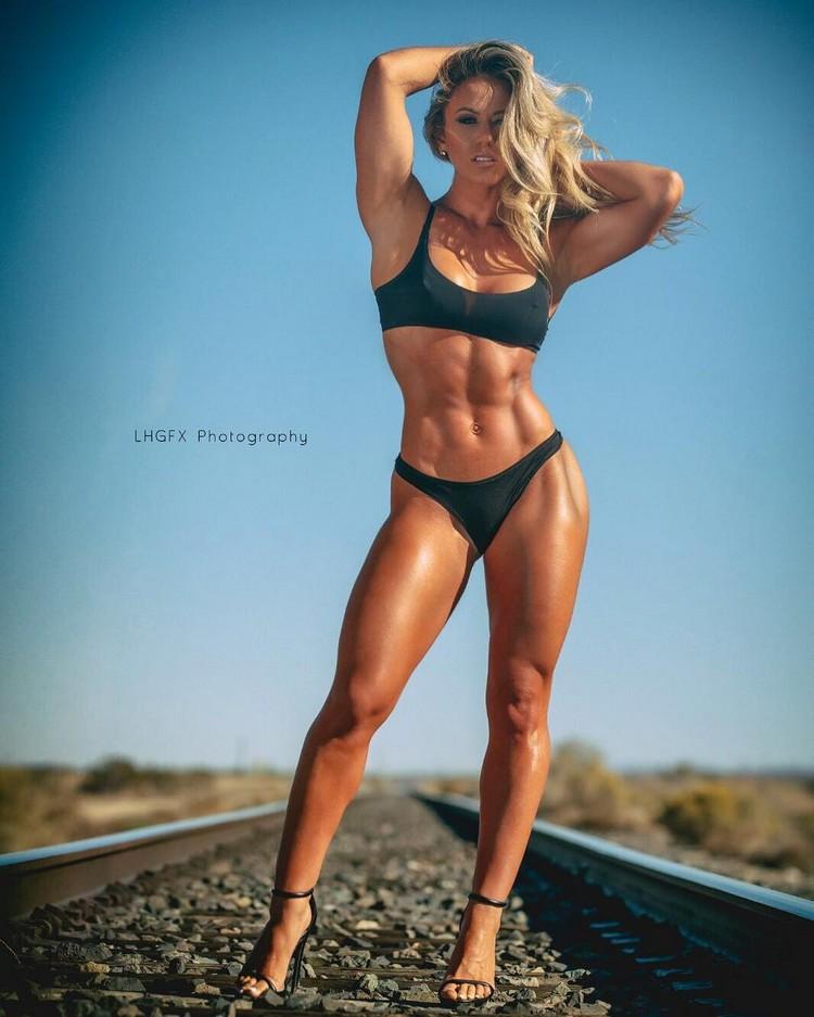 Fitness Model TAMRA DAE