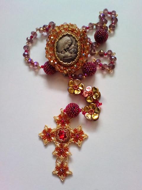Różaniec z koralików – projekt na specjalną okazję / Beaded Rosary necklace special project