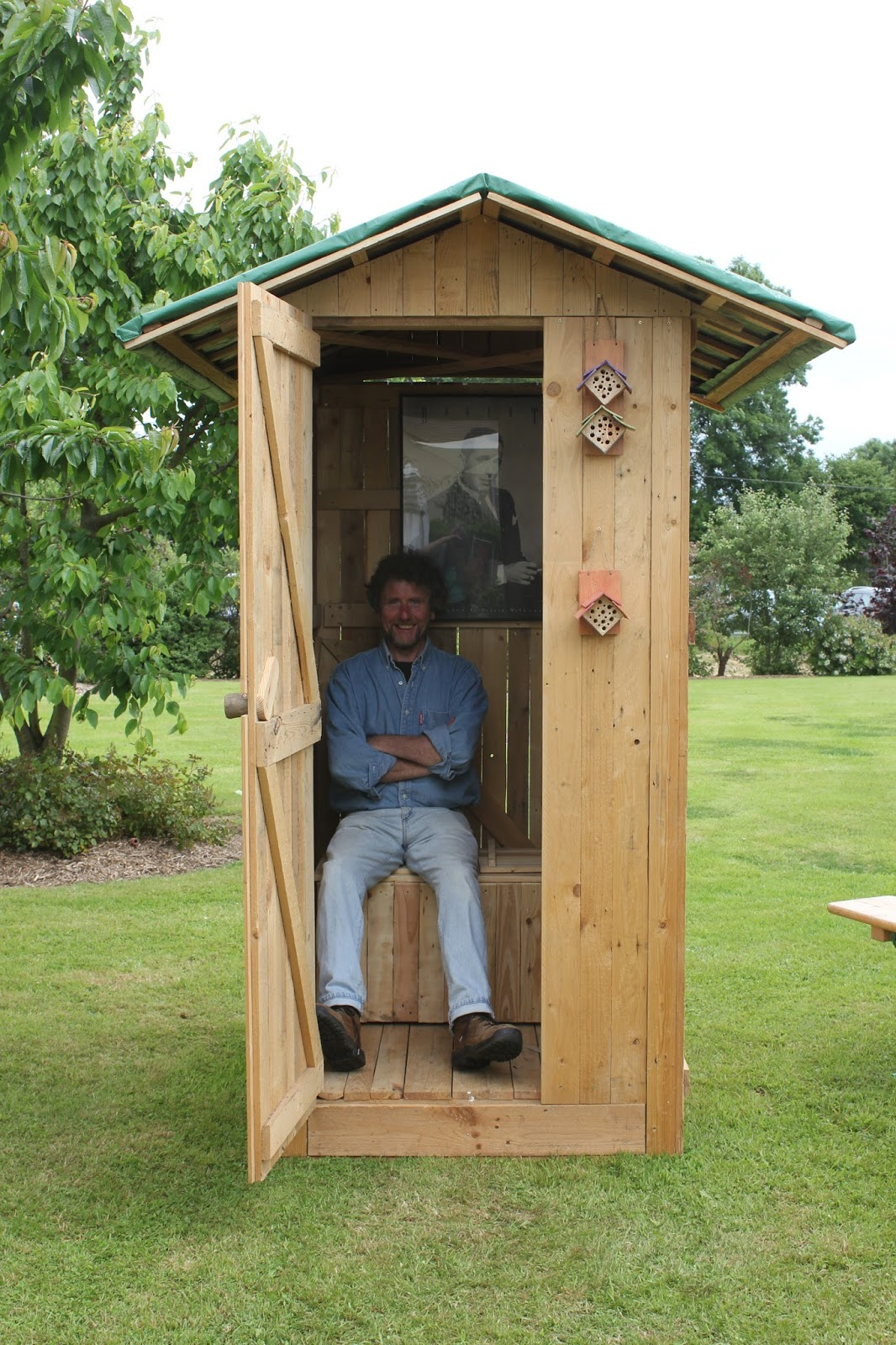 Make your own dry toilet Part 3 - The seats