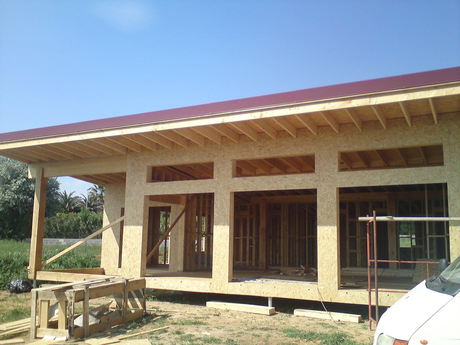 construction maison cologique bois bbc les bacs acier et les rives les finitions du toit. Black Bedroom Furniture Sets. Home Design Ideas