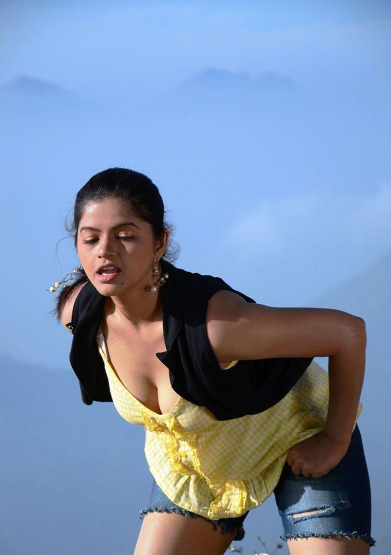 Actress Nangi Hot Stills - Bollywood Star-4474
