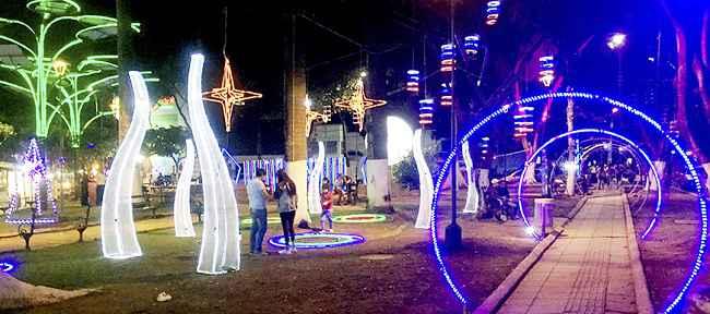 As es bucaramanga atractivo panorama de navidad en los for Oficinas santander las palmas