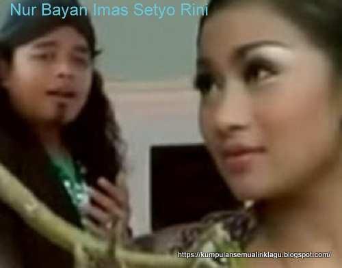 Nur Bayan duet Imas Setyo Rini Tresno Waranggono