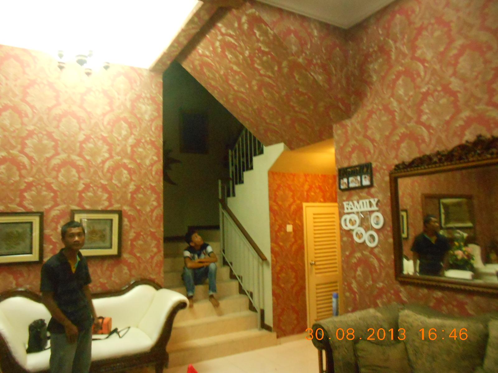 repair sofa shah alam paint for leather rumah 3 tingkat dengan wallpaper mewah baiti jannati deco