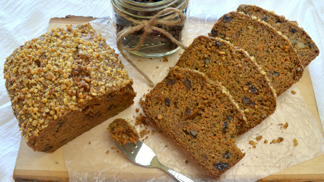 Gâteau de Carottes aux Noix et Raisins secs