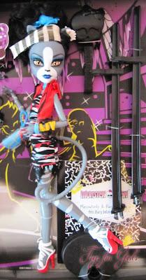 Кукла кошка оборотень Монстер Хай из серии Zombie Shake (Пурсефона)
