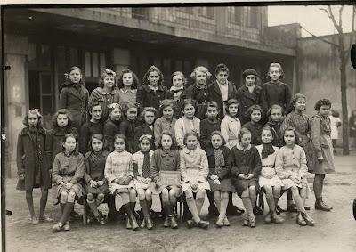 Ecole de filles de la rue Centrale à Montceau (détruite en 1974), école jumelle de celle de garçons de la rue de l'est, actuel musée (collection musée)