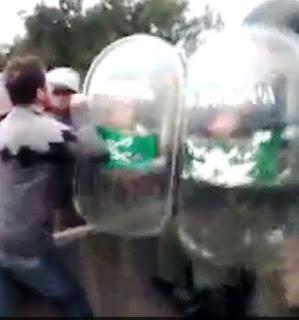 PROVINCIA: Vecinos de la localidad de Exaltación de la Cruz denunciaron haber sido reprimidos ayer por Gendarmería Nacional, durante una manifestación en la que exigían el cese del cobro de peaje.