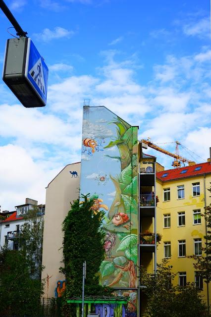 Le Chameau Bleu - fresque murale Rue Berlin