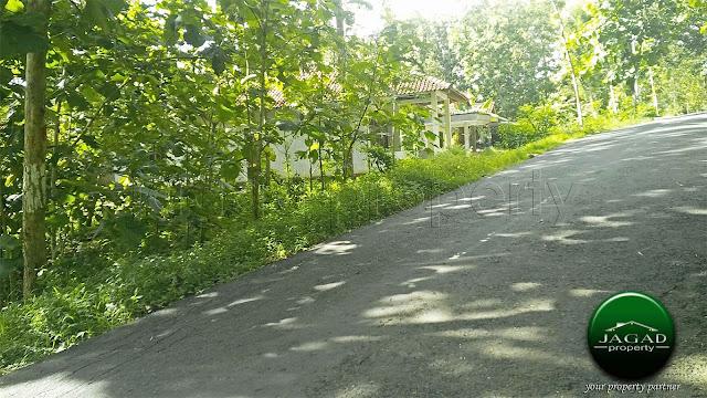 Tanah dekat Kelurahan Cerme, Panjatan