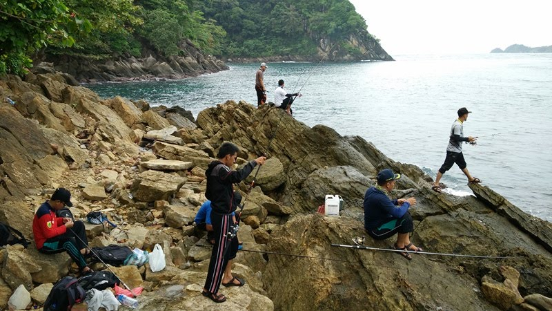 Pantai Lhok Mata Ie, Spot Nyaman Untuk Mancing & Renang
