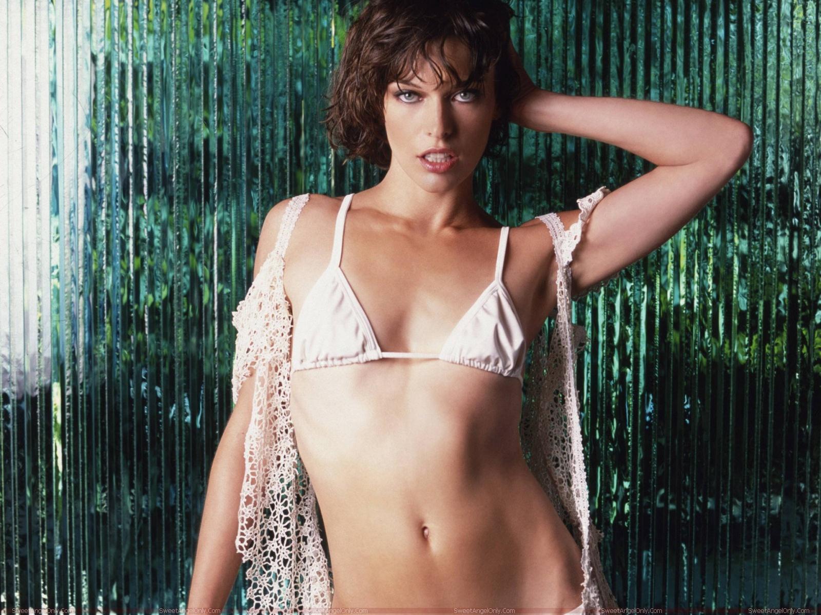 Milla Jovovich Sexy