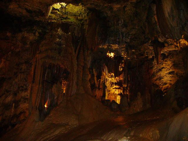 cueva-valporquero