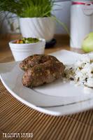 (Drobiowe kiełbaski z serem feta