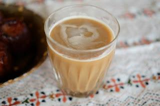 アイスコーヒーのガラスコップは生坂村のガラス作家・玄々舎