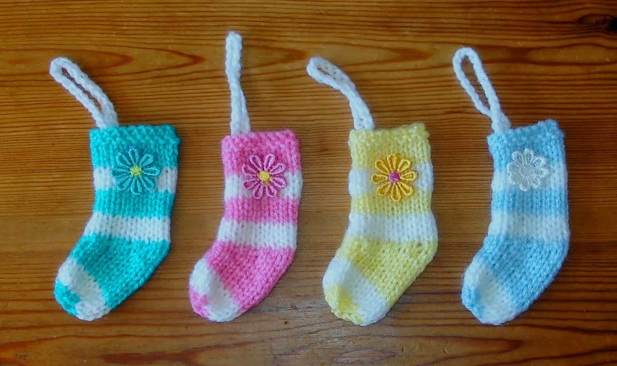 Marianna s lazy daisy days mini christmas stocking decorations for - Marianna S Lazy Daisy Days Christmas Crafts