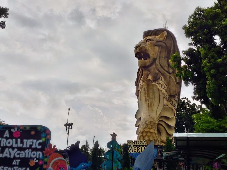 聖淘上最大的魚尾獅