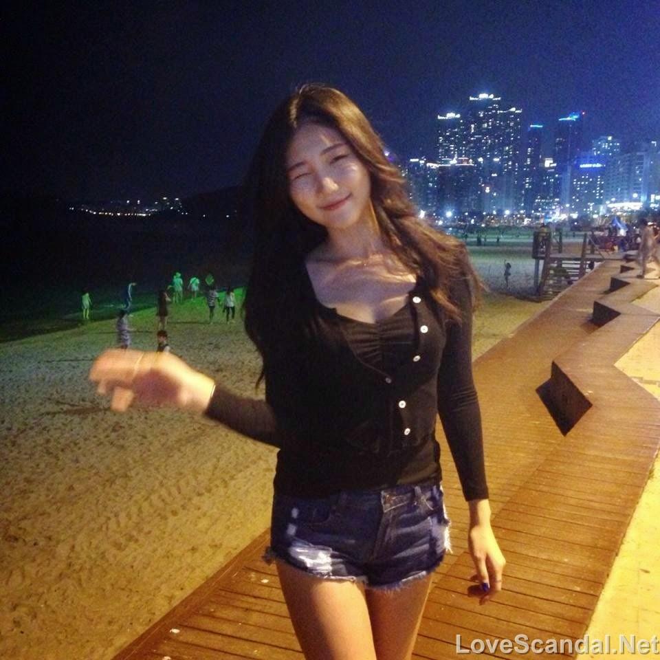 Eurasian Schoolgirl C@m! strip