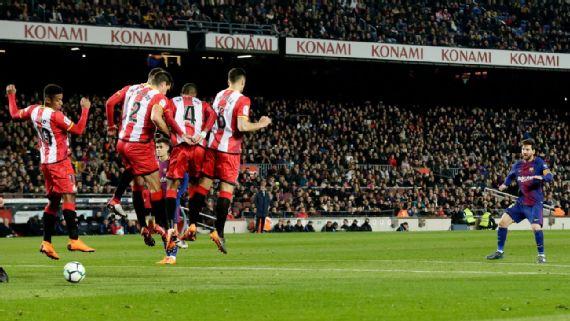 Lionel Messi's Ronaldinho-esque free kick surprised Barcelona