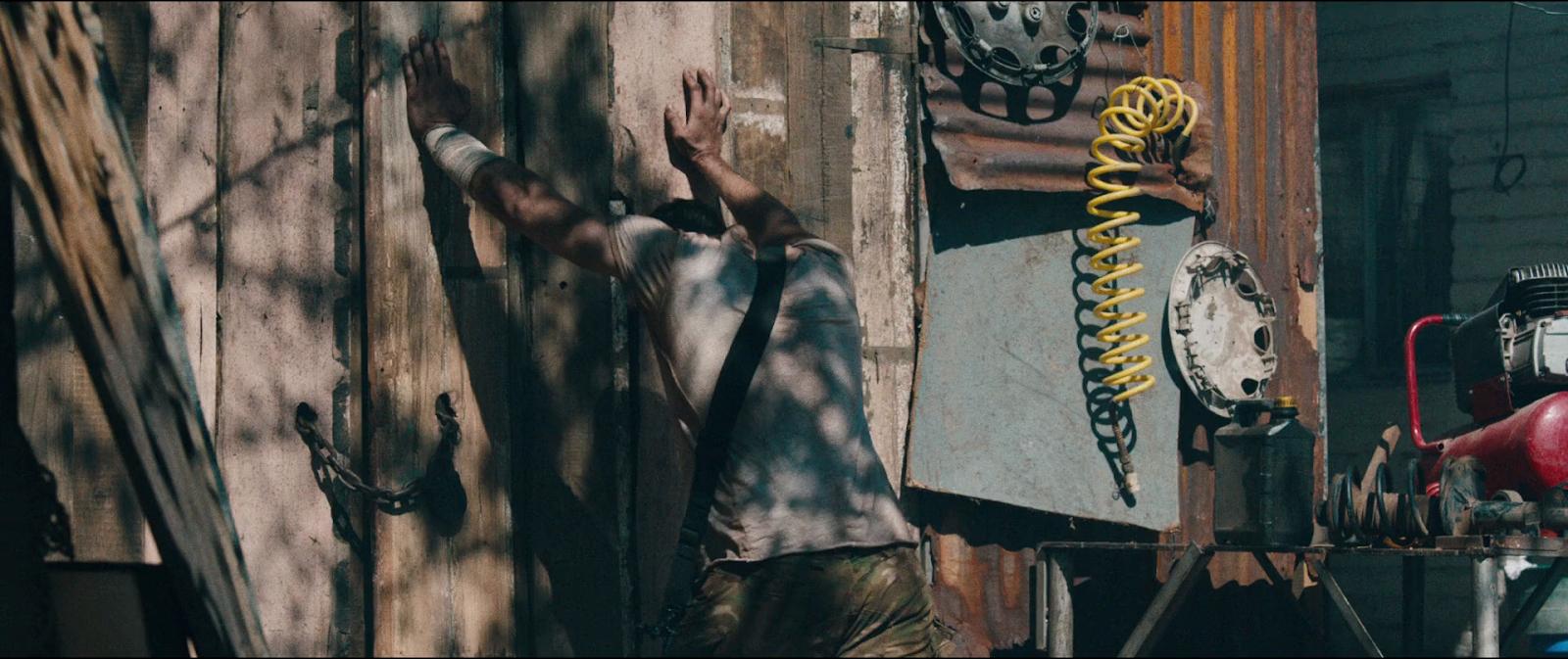 Revolt (2017) BRRip 1080p Latino-Ingles captura 4
