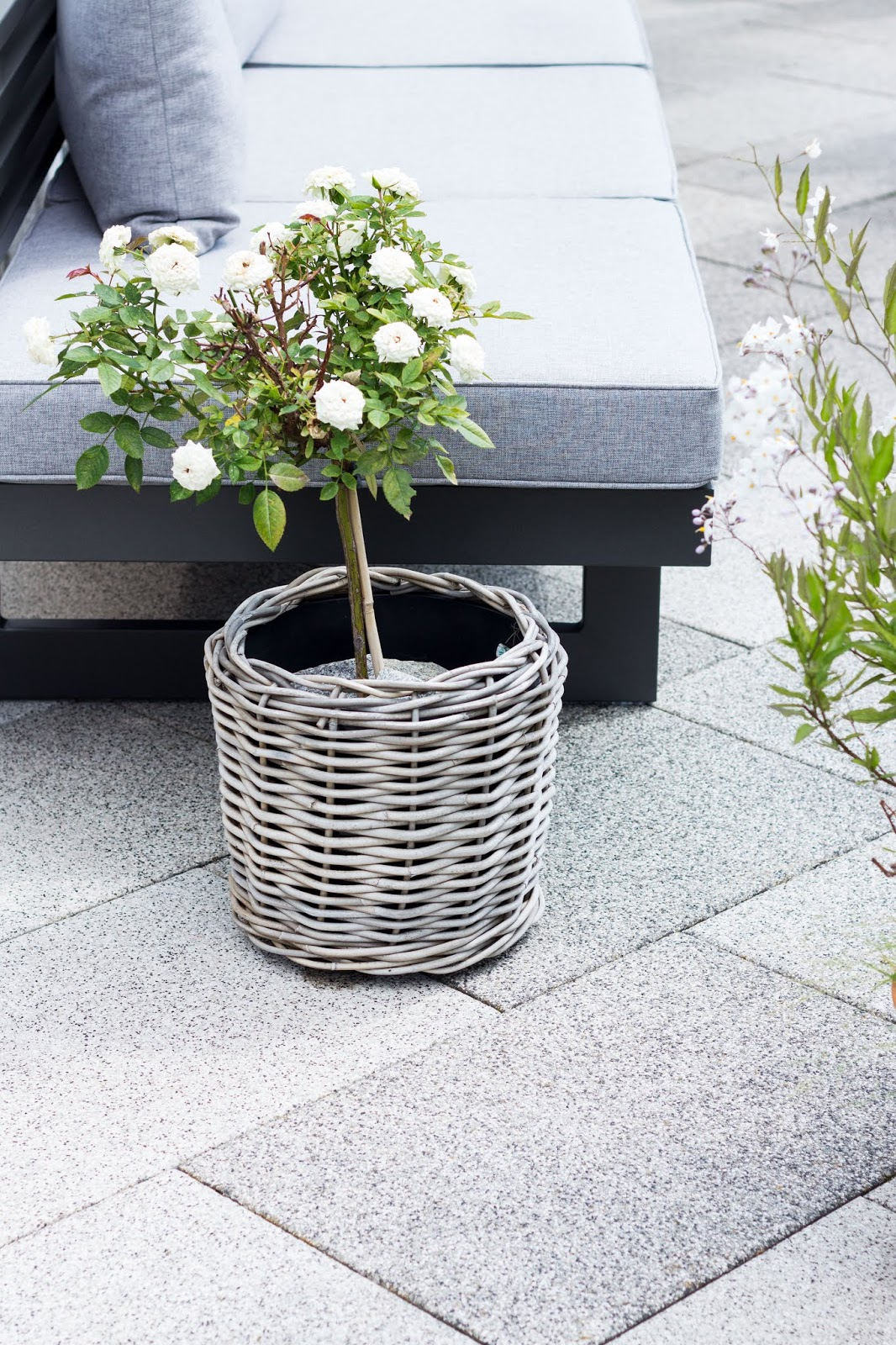 Scandi Inspiration | Interior | Outdoor-Living mit der Stern Loungebank Holly