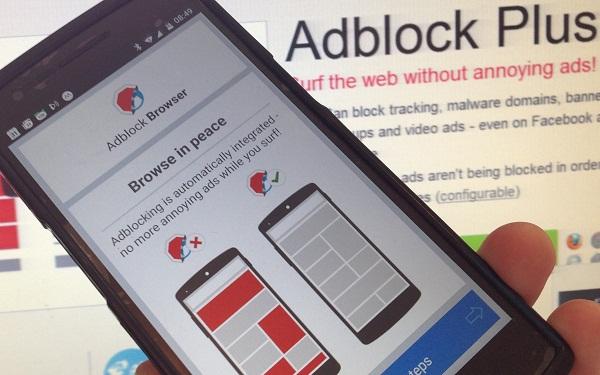 Cara menghapus aplikasi AdBlock Plus Android.