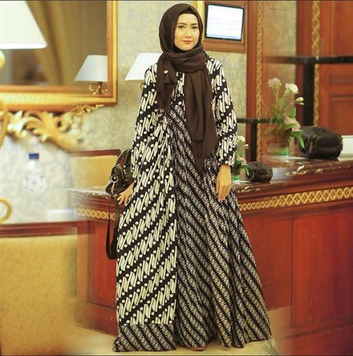 Trend model busana batik muslimah syar'i terbaru untuk lebaran 2017/2018