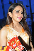 Rakul at Sarrainodu Red Carpet show-thumbnail-7