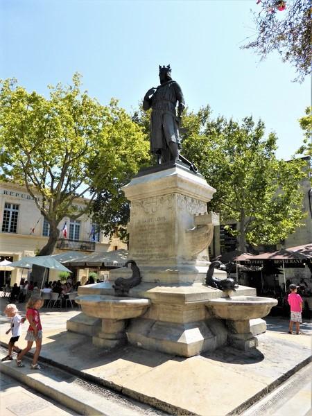 Aigues Mortes, Plaza del Rey San Luis