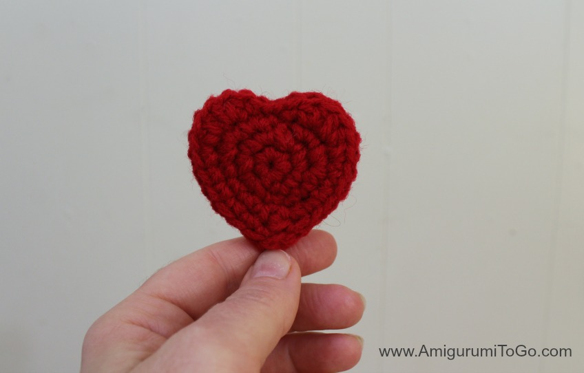 Crochet heart applique with beads u knitting and crochet