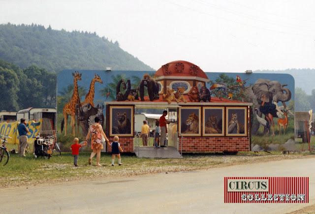 Roulotte façade et caisse de le menagerie du Cirque National Suisse Knie  1970