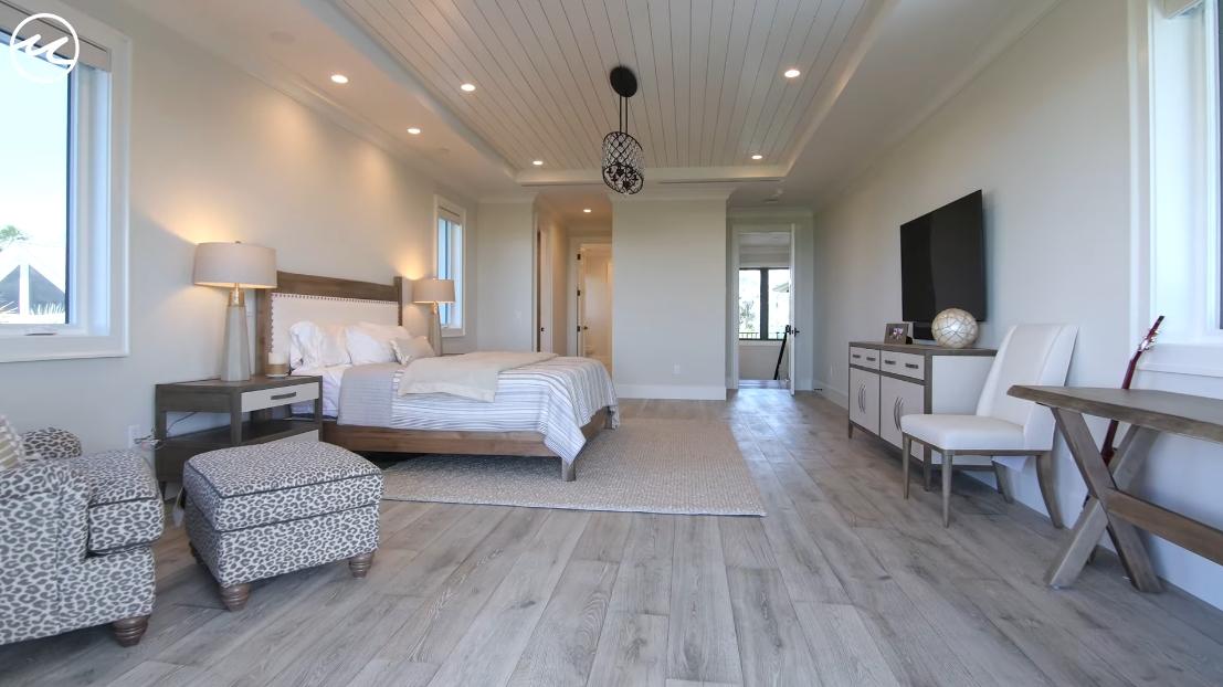34 Interior Design Photos vs. Sanibel Island, FL Luxury Beachfront Mansion Tour