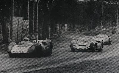http://www.arkivperu.com/pitty-block-el-rey-de-las-tablas-y-las-pistas-60s-70s/