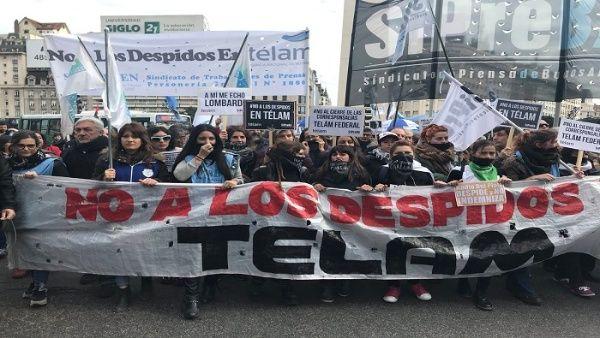 Marchan por restitución de trabajadores de Télam en Argentina