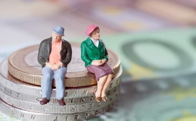 monedas, pensiones, tercera edad, apoyos,
