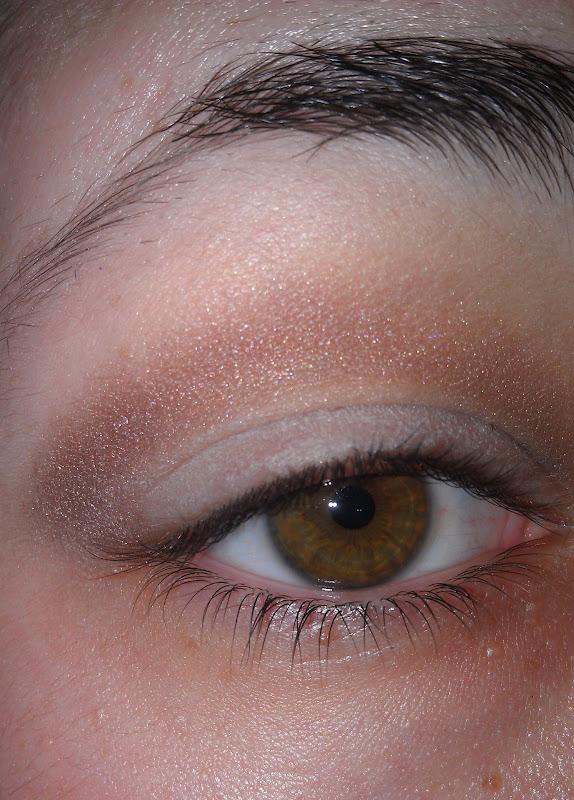 Monica LOVES Makeup: Everyday Eye: MAC Satin Taupe & Vex