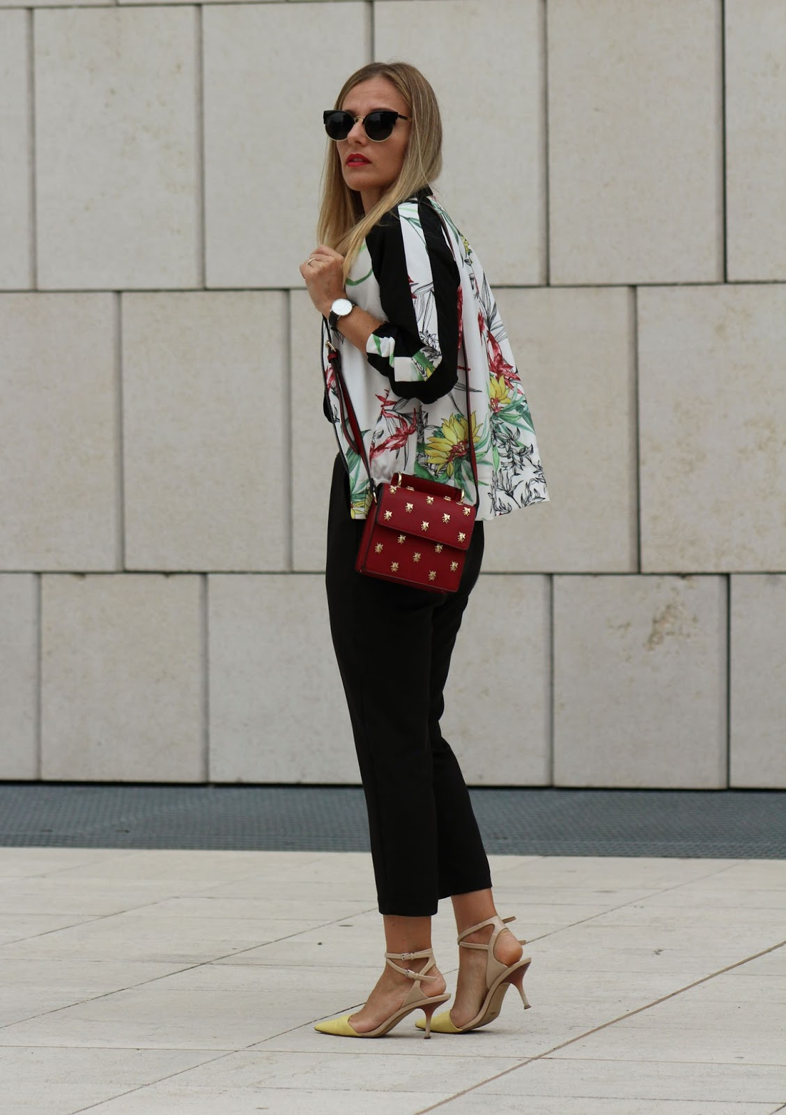 Eniwhere Fashion - Zaful - Black jumpsuit and floral bomber